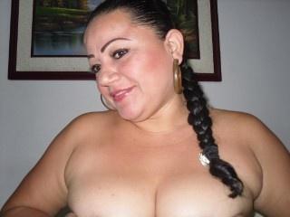 brunette xkendraxx oil