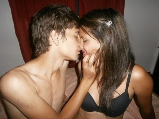 19 yo, couple live sex, short hair, straight