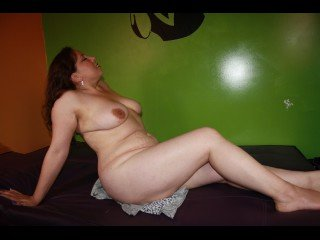 26 yo, girl live sex, latin_american, long hair
