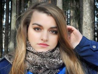 brunette teen 1tempteyes roleplay