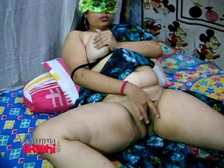 indian chubby milf green