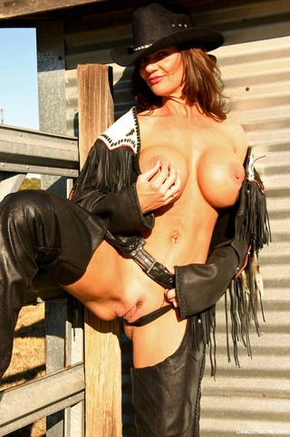 Horny milfs in cowgirl clothes hot pics