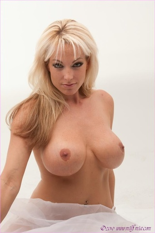 Kendra wilkinson naked pictures