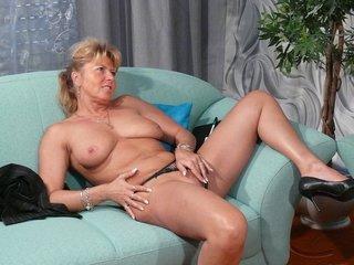 ponytailed mature pimp rubbing