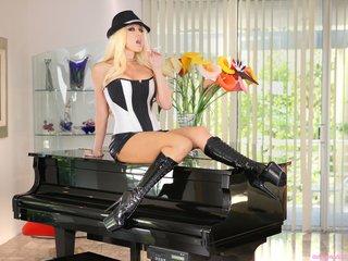 black, individual model, piano, white