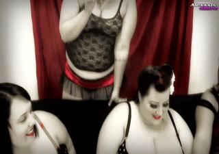 bunch fat hotties showing