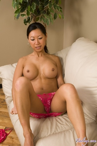 sweet asian babe banging