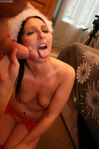 mature chick teasing red