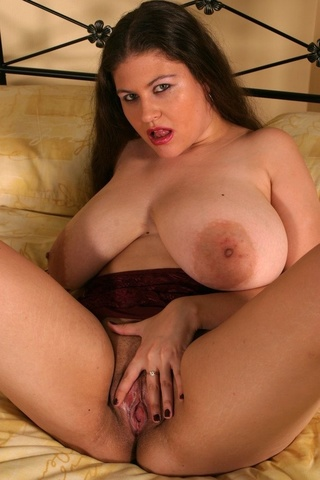alluring babe pulls brown