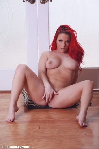 luscious babe red hair