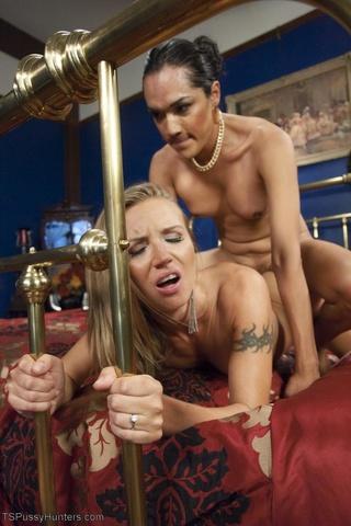 blonde grips brass bedposts