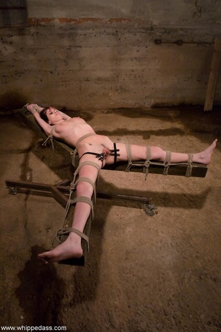 domina red fucks tied