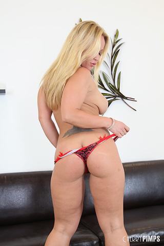 hot blonde mature shows