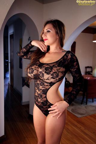 sexy brunette models body