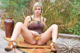 curvy, individual model