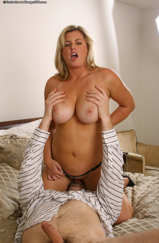 Sexy thick blonde milf