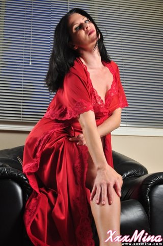 dark haired beauty red