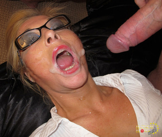 blonde girl cum mouth