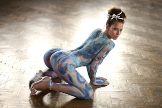 lizzie lovely body paint