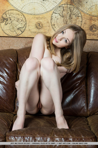 sweet girl totally naked