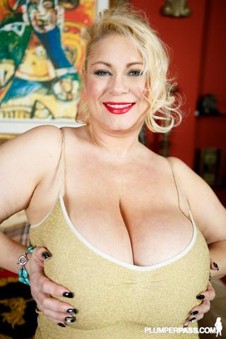 blonde plumper teases extra