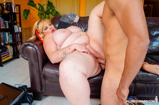 fat blonde chick strips