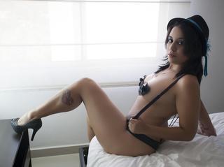 latin girl nice tits