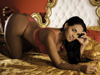 latino milf with grandes