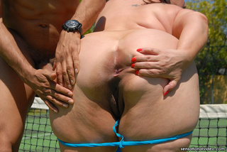 gorgeous fat chick peels