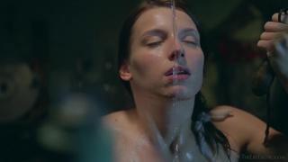 brunette amazing body showers