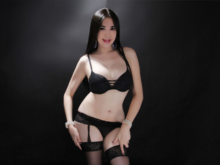 asian transgender queen0fcums live