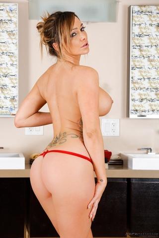 pleasing blonde red nude