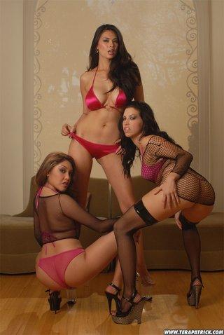 women lingerie pose sexy