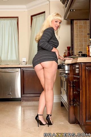 leggy blonde punished thanksgivbing