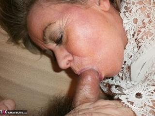 stunning cougar huge boobs