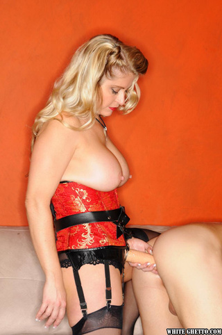 red lipped blonde sexy