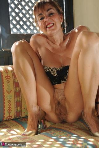 Georgie mature nude pics