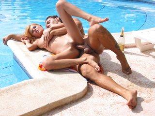vacation fucking pool busty