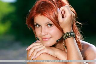 redhead short dress showing