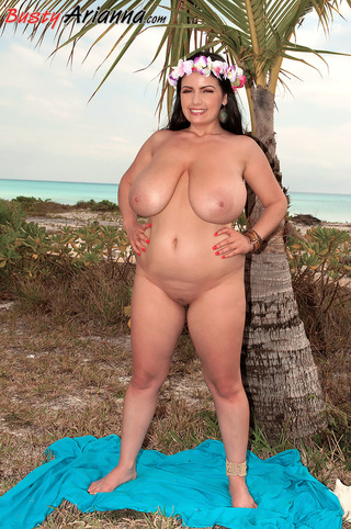beauties nude Hawaiian