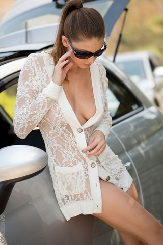 alluring babe sunglasses bends