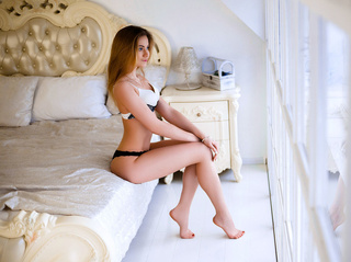 white girl with blonde