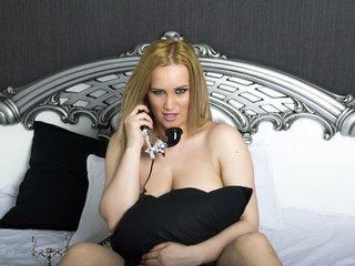 26 yo, girl live sex, shoulder length hair, white