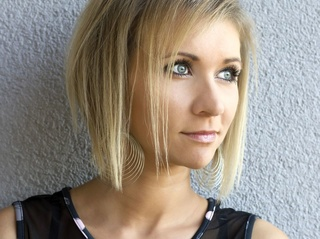 white milf blonde hair