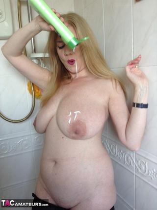 mature babe huge juggs