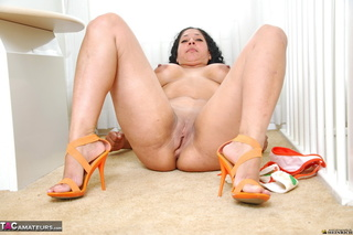 latin milf high heels
