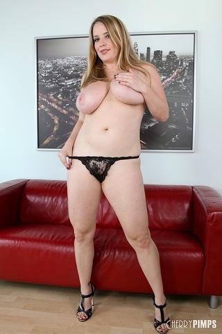 horny chubby vixen blonde