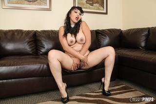brunette chick big tits