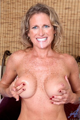blonde milf blue eyes