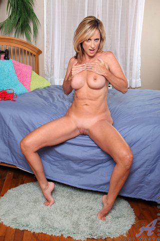 hot blonde mature strips